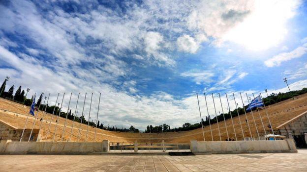 Стадион Панатинаикос в Афинах - в 1896 году здесь были проведены первые в современной истории Олимпийские игры