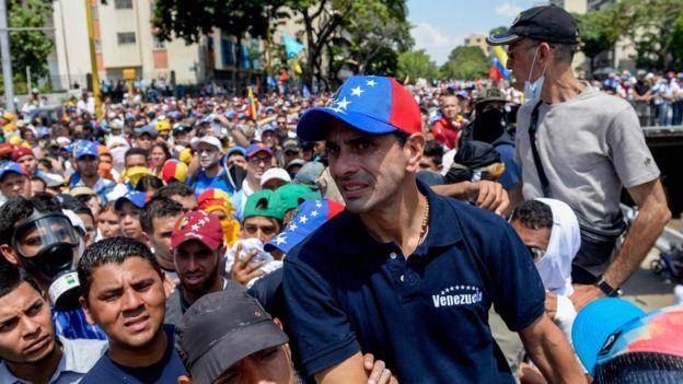 Henrique Capriles en una manifestación