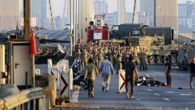 Soldiers involved in the coup attempt surrender on Istanbul's Bosphorus Bridge. Photo: 16 July 2016