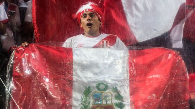 Fan with Peruvian flag