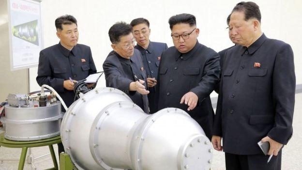 Ким Чен Ын у конструкции