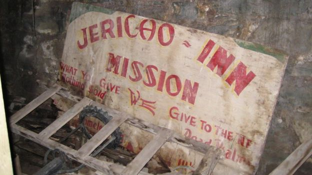 Jericho Mission Inn en la ciudad subterránea de Seattle, estado de Washington, Estados Unidos