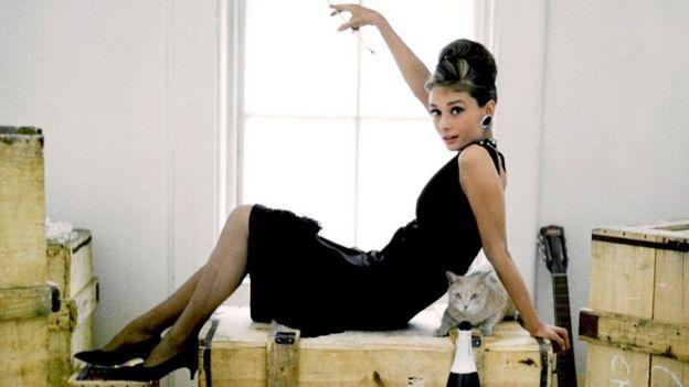 Чорна сукня Одрі Гепберн стала уособленням елегантної простоти