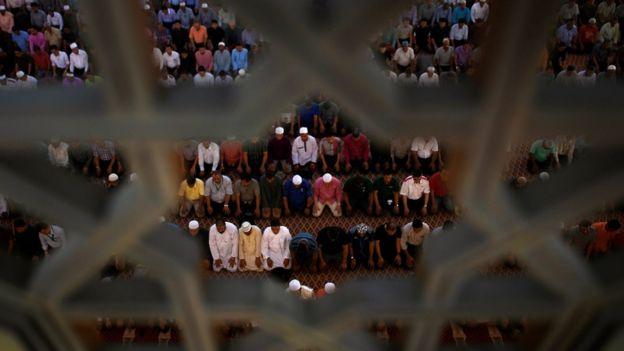 馬來西亞受伊斯蘭教文化影響,民風保守。