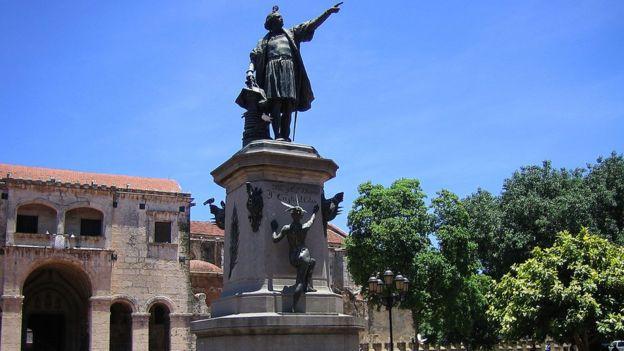 哥伦布雕像