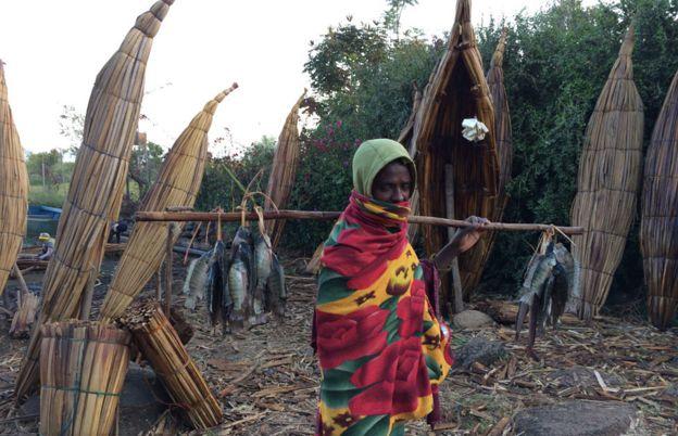 Pescador en el Nilo Azul.
