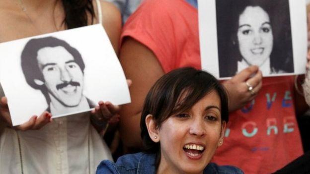 Adriana en la conferencia de prensa en Buenos Aires.