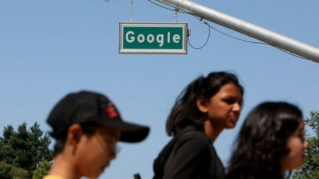 señal de Google en calles de Mountain View