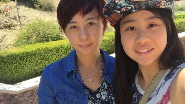 Cassandra Hsiao y su madre