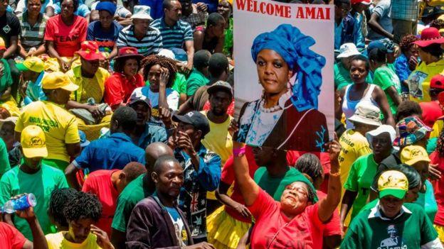 Grace Mugabe est une sérieuse prétendante à la succession de son mari.