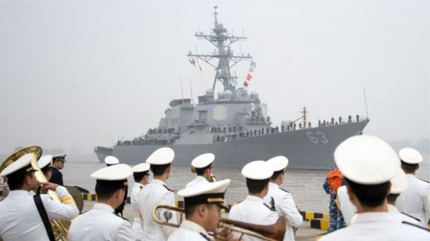 ඇමෙරිකාව කුපිතකාරීව හැසිරෙන බවට චීනයෙන් චෝදනා _96774236_warship