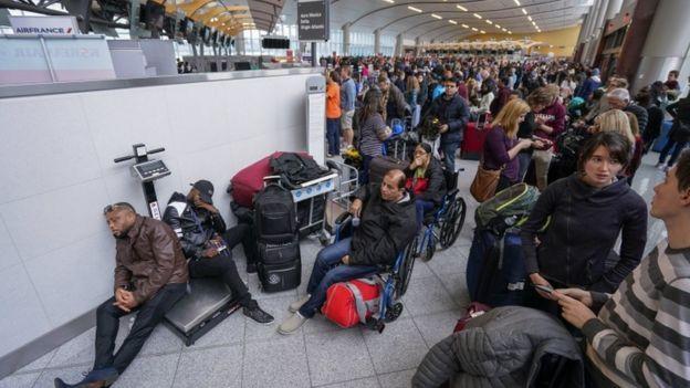 گفته می شود حدود 1000 پرواز لغو شده است