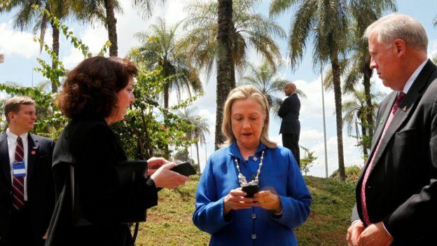 Hillary Clinton utilizó su correo electrónico personal para tratar asuntos gubernamentales cuando era Secretaria de Estado.