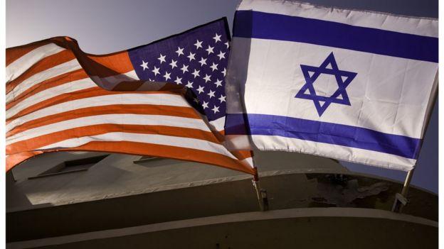 Bandeiras dos EUA e de Israel, juntas