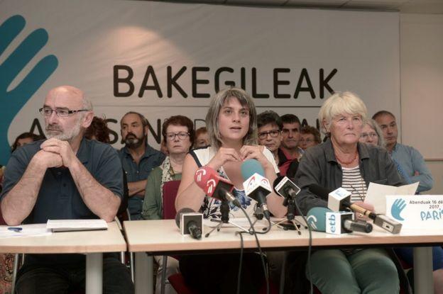 Michel Berhocoirigoin, Anaiz Funosas y Anne-Marie Michaud, miembros de los