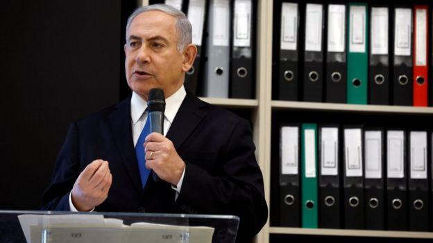 """آقای نتانیاهو با به نمایش گذاشتن """"اسناد به دست آمده از ایران،"""" مقام های ایرانی را به دروغگویی متهم کرد"""