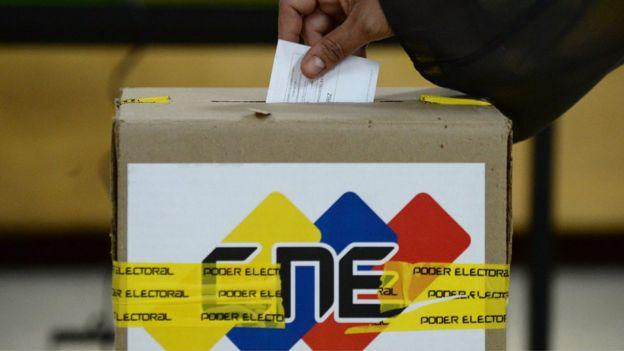 Urna de votación.