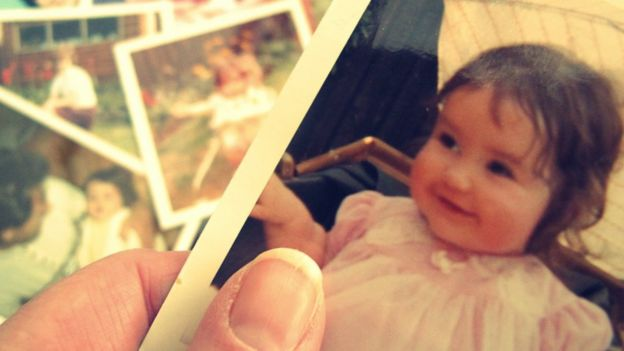 Foto de niña de unos dos años