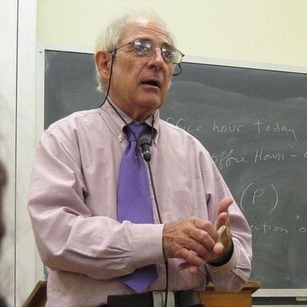 John Searle en una charla en la Universidad de Oxford en 2005