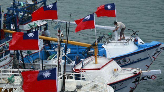 懸掛中華民國國旗的漁船。