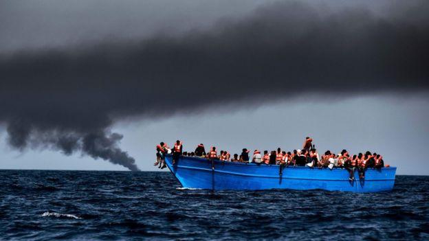 Судно с беженцами