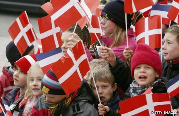 _69007153_464_children-flags.jpg