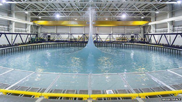 Spectacular wave tank opens in Edinburgh - BBC News