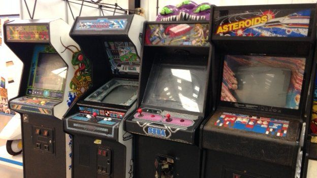 Cambridge museum's arcade games brought back to life - BBC News