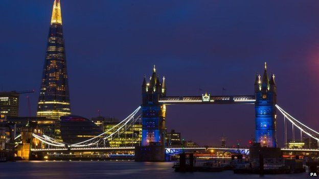 Paris attacks: London landmarks lit in French colours - BBC News