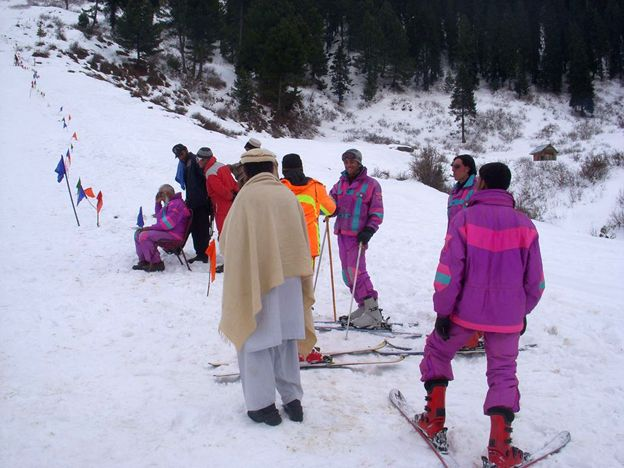 People on skis