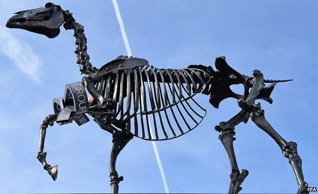 Gift horse sculpture trots onto fourth plinth bbc news gift horse negle Image collections