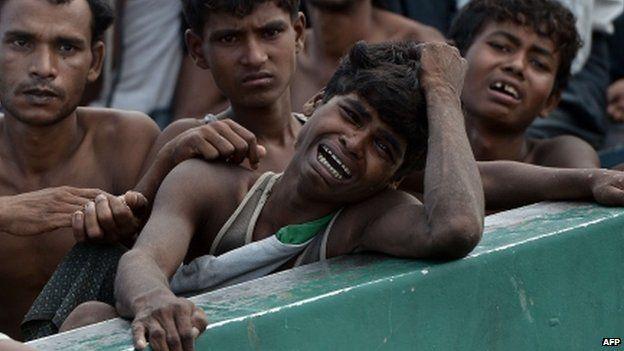 【ミャンマー】ロヒンギャの村、掃討作戦終了後も焼かれる 写真で確認 YouTube動画>1本 ->画像>116枚