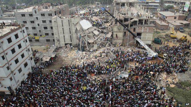 Bangladesh murder trial over Rana Plaza factory collapse - BBC News