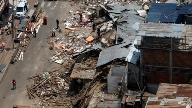 Buildings lay in ruins days after an earthquake in Bahia de Caraques, Ecuador.