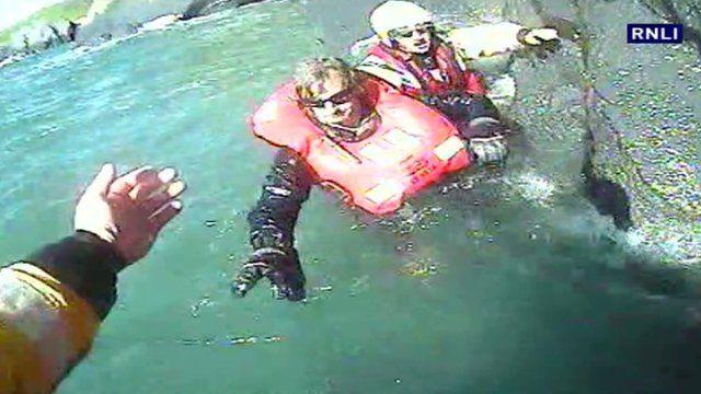 Paraglider rescued from cliffs at Aberystwyth, Ceredigion