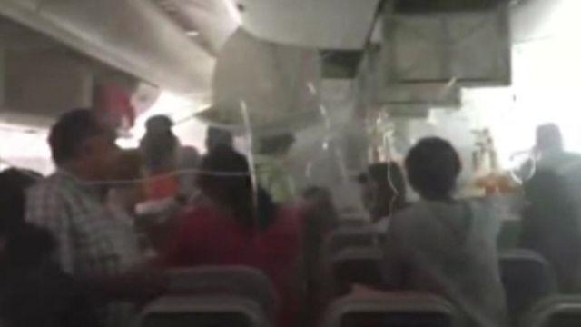 Evacuation under way on the Emirates plane