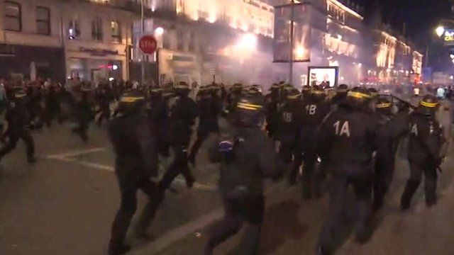 Police charge towards fan in Lille