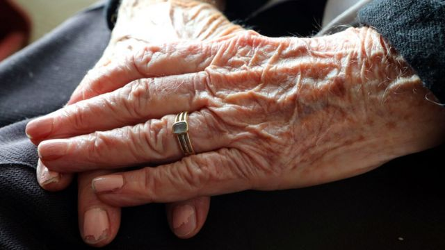 Hands of an anonymous elderly woman.