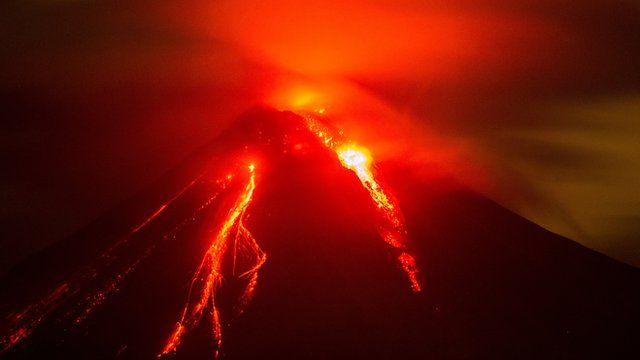 Colima volcano in Mexico keeps on erupting