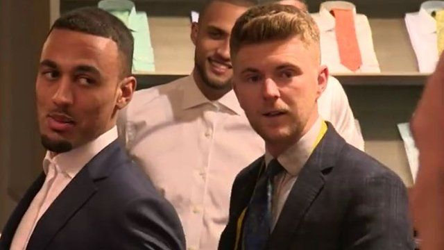 Oxford United players get new suits for Wembley