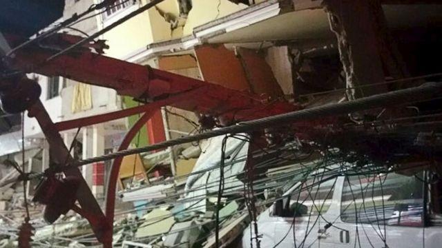 Earthquake damage in Manta