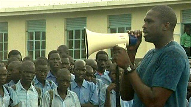 Luol Deng addresses school children in Sudan