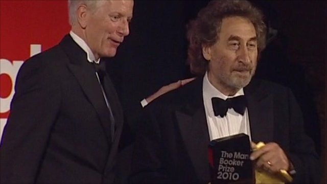 Sir Andrew Motion presents booker prize to Howard Jacobson