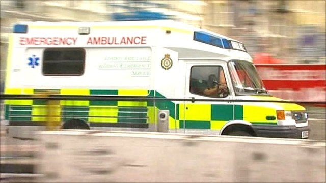 Ambulance arrives at scene of 7 July bombing in London
