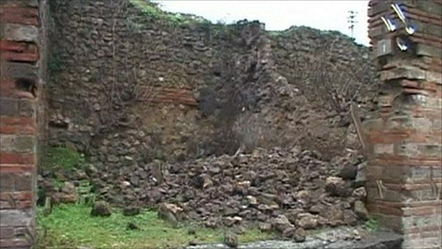 Another wall collapses at the ancient site of Pompeii