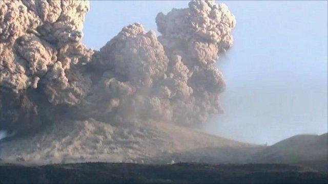 Ash spews from Shinmoedake in southern Kyushu