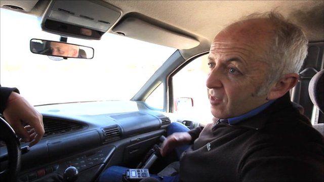BBC's Jeremy Bowen talking to rebels