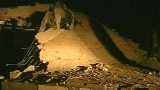Collapsed building in Sirte