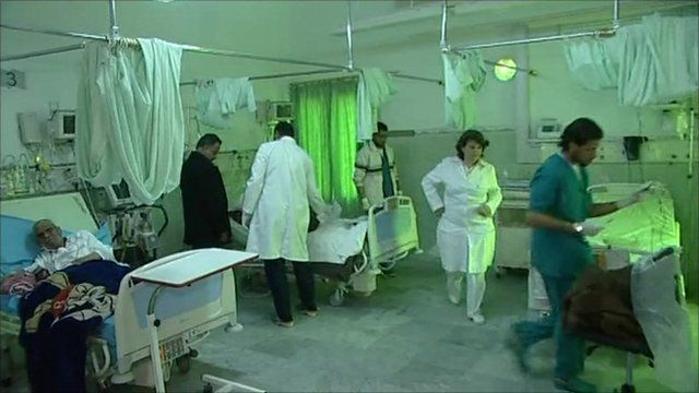 Workers and injured in an intensive care unit