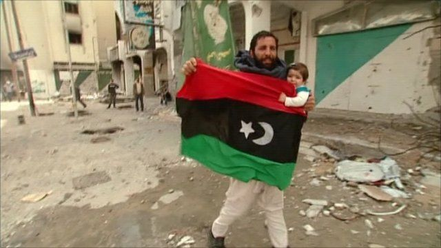 Man and child in Misrata